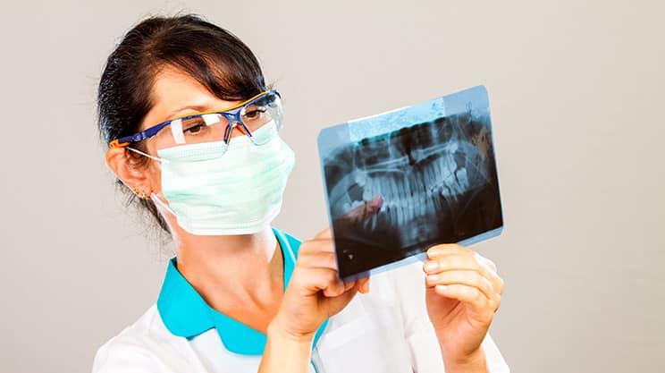 Moderner Zahnersatz