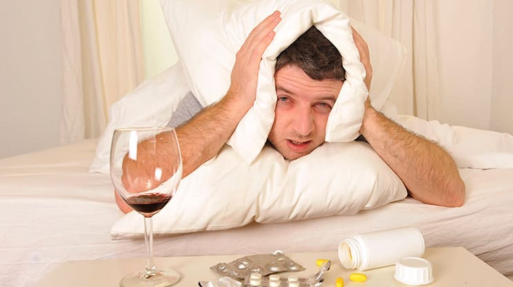 warum bekommen wir von alkohol einen kater gesundheits. Black Bedroom Furniture Sets. Home Design Ideas