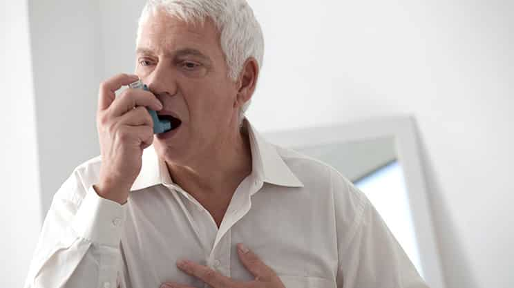 Raucher und die Lungenkrankheit COPD
