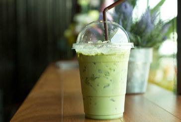 Grüner Tee Smoothie mit Äpfeln