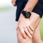 Knacken im Knie – was kann die Ursache sein?