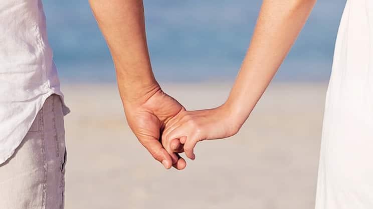 Hand in Hand gegen den Schmerz