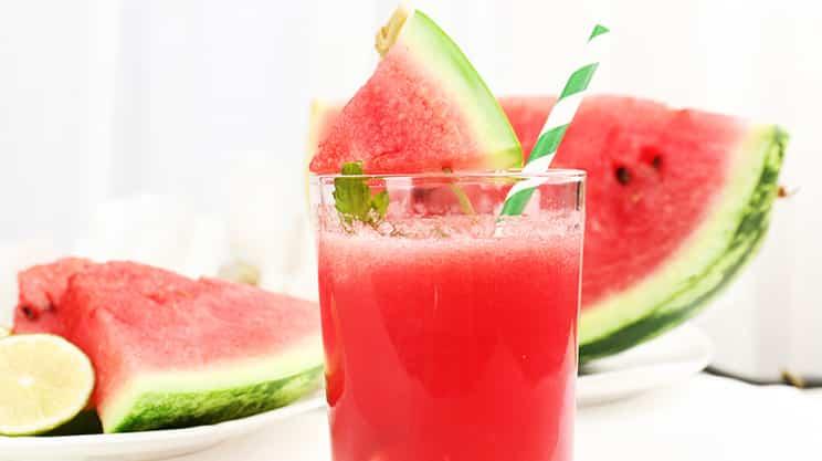 Wassermelonen Limetten Smoothie mit frischer Minze