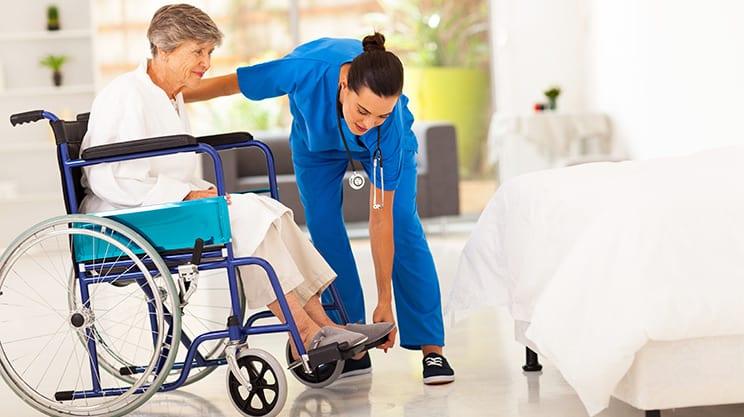 Oberschenkelhalsbruch – die Fraktur der Senioren