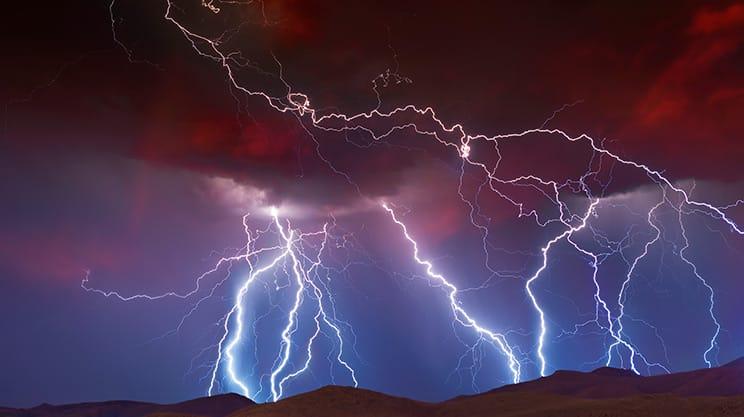 Blitzschläge – ein lebensgefährliches Naturphänomen