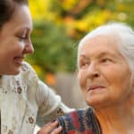 24-Stunden-Pflege: Alternative zum Altenheim