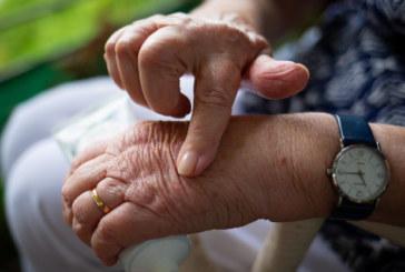 Arthritis: Was tun gegen die Gelenkschmerzen?